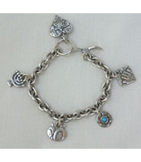 PEWTER CHARM BRACELET WITH DANGLING HEART AND CHARMS